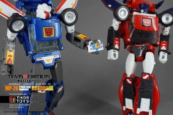 [Masterpiece] MP-25L LoudPedal (Rouge) + MP-26 Road Rage (Noir) ― aka Tracks/Le Sillage Diaclone - Page 2 FEtv9phd