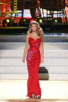Amy Willerton red long dress Russia