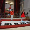 Interactive piano stage 6CuNDzPE