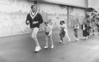Детсадовский полицейский / Kindergarten Cop (Арнольд Шварценеггер, 1990).  FxVHaJCT