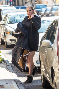 Amy Schumer - Arriving at her Hotel in New York - March 6th 2017