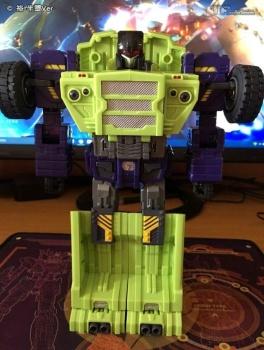 [Toyworld] Produit Tiers - Jouet TW-C Constructor aka Devastator/Dévastateur (Version vert G1 et jaune G2) - Page 6 Ihnf5An0
