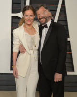 """Leslie Mann """"2015 Vanity Fair Oscar Party hosted by Graydon Carter at Wallis Annenberg Center for the Performing Arts in Beverly Hills"""" (22.02.2015) 126x  M2JxTvlP"""