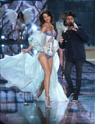 Flavia Lucini - 2015 Victoria's Secret Fashion Show Runway @ Lexington Avenue Armory in NYC - 11/10/15