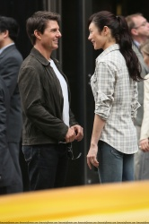 Tom Cruise - on the set of 'Oblivion' outside at the Empire State Building - June 12, 2012 - 376xHQ Il0aIpv9