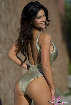 Дениз Милани, фото 4898. Denise Milani Gold One-Piece (Low Quality), foto 4898