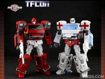 [TFC Toys] Produit Tiers - OS-01 Ironwill (aka Ironhide/Rhino) & OS-03 Medic (aka Ratchet/Mécano) 9mLflBDH