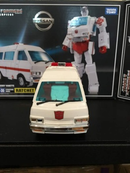 [Masterpiece] MP-30 Ratchet/Mécano - Page 2 WDyo52dF