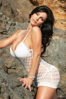 Дениз Милани, фото 4429. Denise Milani White Bikini (From Her Old Website), foto 4429