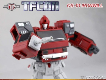 [TFC Toys] Produit Tiers - OS-01 Ironwill (aka Ironhide/Rhino) & OS-03 Medic (aka Ratchet/Mécano) PB8DHHWc