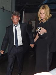 Sean Penn - Charlize Theron and Sean Penn - seen leaving Royal Festival Hall. London - February 16, 2015 (153xHQ) EmtBQGsi