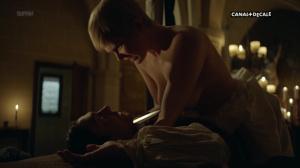 Anna Brewster, Hannah Arterton @ Versailles s02 (FR 2017) [1080p HDTV] Ey4i0W32
