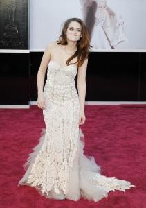 Kristen Stewart - Imagenes/Videos de Paparazzi / Estudio/ Eventos etc. - Página 31 AcopdbCr