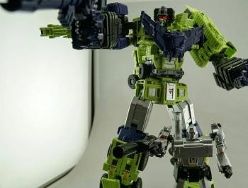 [Toyworld] Produit Tiers - Jouet TW-C Constructor aka Devastator/Dévastateur (Version vert G1 et jaune G2) - Page 7 JoD168Om