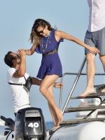 Nina Dobrev with her boyfriend Austin Stowell in Saint-Tropez (July 24) 8Qk3z3B0