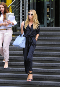 acuMNFSn [Medium Quality] Rosie Huntington Whiteley out in London 8/21/13 high resolution candids