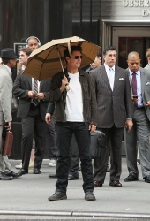 Tom Cruise - on the set of 'Oblivion' outside at the Empire State Building - June 12, 2012 - 376xHQ KQNGxdIP