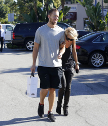 Calvin Harris and Rita Ora - out and about in Los Angeles - September 18, 2013 - 16xHQ SYMdrQSL