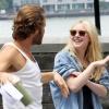Dakota Fanning / Michael Sheen - Imagenes/Videos de Paparazzi / Estudio/ Eventos etc. - Página 5 AdvYMMSY