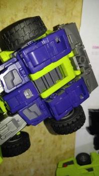 [Toyworld] Produit Tiers - Jouet TW-C Constructor aka Devastator/Dévastateur (Version vert G1 et jaune G2) - Page 7 2N2vGo5C