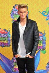 Cody Simpson - 27th Annual Kids' Choice Awards, Galen Center, Los Angeles, 29 марта 2014 (12xHQ) RFPsuBkh