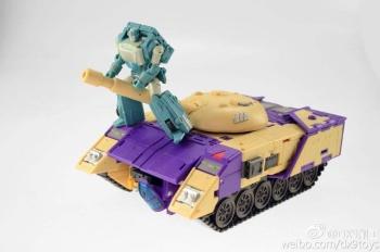 [DX9 Toys] Produit Tiers D-08 Gewalt - aka Blitzwing/Le Blitz E1JGBUBa