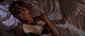Halle Berry, Amber Rules @ Monster's Ball (US 2001) [HD 1080p] PPh1Pr9Q