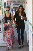 Nina Dobrev with Hilary at Alfred Coffee & Kitchen in West Hollywood (July 29) CFbvTGPZ