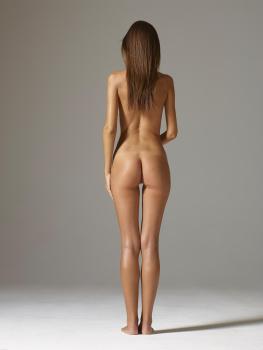 Emily Wickersham Nude