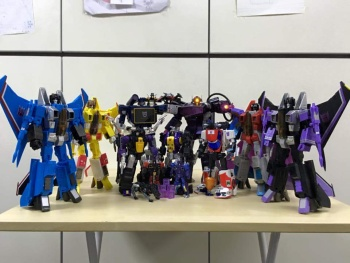 [Fanstoys] Produit Tiers - Jouet FT-12 Grenadier / FT-13 Mercenary / FT-14 Forager - aka Insecticons - Page 3 K2wxWkWu