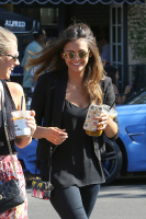 Nina Dobrev with Hilary at Alfred Coffee & Kitchen in West Hollywood (July 29) F6AIPHaf