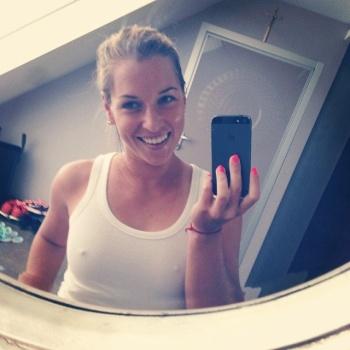Dominika Cibulková sexi selfie - bradavky