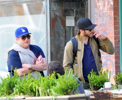 Jake Gyllenhaal & Jonah Hill & America Ferrera - Out And About In NYC 2013.04.30 - 37xHQ XJohjSyh