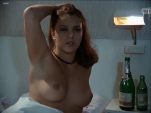 Anna Cieslak  nackt