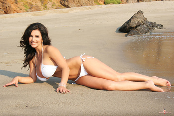 Дениз Милани, фото 4446. Denise Milani White Bikini (From Her Old Website), foto 4446