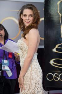 Kristen Stewart - Imagenes/Videos de Paparazzi / Estudio/ Eventos etc. - Página 31 AbxgbuF4