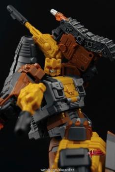 [Warbotron] Produit Tiers - Jouet WB03 aka Computron - Page 2 L4Z7OJuA