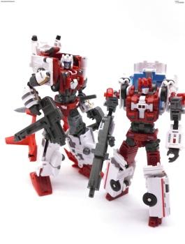 [MakeToys] Produit Tiers - Jouet MTCM-04 Guardia (aka Protectobots - Defensor/Defenso) - Page 3 X9qqhkNh