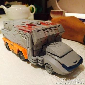 [DX9 Toys] Produit Tiers - Jouet D-06 Carry aka Rodimus et D-06T Terror aka Black Rodimus TE1M3qnk