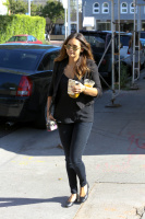 Nina Dobrev with Hilary at Alfred Coffee & Kitchen in West Hollywood (July 29) F2BHvQwI