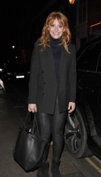 "Bryce Dallas Howard - ""The Ivy"" restaurant in London 2/13/17"