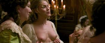 Clara Paget  nackt