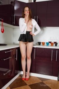 Isabella - In The Kitchen - [famegirls] HEvJ1M3o