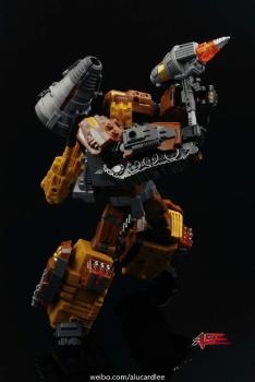 [Warbotron] Produit Tiers - Jouet WB03 aka Computron - Page 2 5nGi8zx4