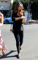 Nina Dobrev with Hilary at Alfred Coffee & Kitchen in West Hollywood (July 29) IZI1baTa