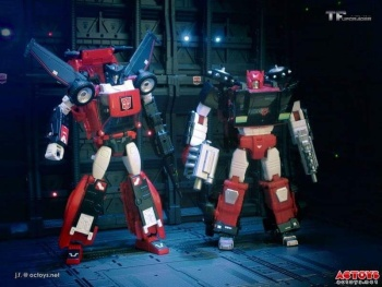 [Masterpiece] MP-25L LoudPedal (Rouge) + MP-26 Road Rage (Noir) ― aka Tracks/Le Sillage Diaclone - Page 2 EipfG8wX