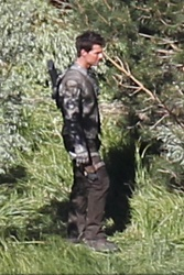 Tom Cruise - on the set of 'Oblivion' in June Lake, California - July 10, 2012 - 15xHQ NyVqJhLq