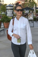Katie Holmes - Leaves LePain Quotiden Bakery in Calabasas 11_3_16