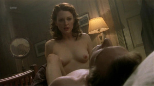 Julianne Moore @ The End Of The Affair (US/UK 1998) [HD 720p WEB]  V77VlIOR