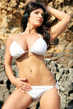 Дениз Милани, фото 4443. Denise Milani White Bikini (From Her Old Website), foto 4443